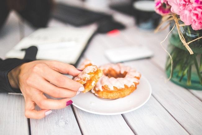 8 Храни за контрол срещу апетита и емоционалното хранене