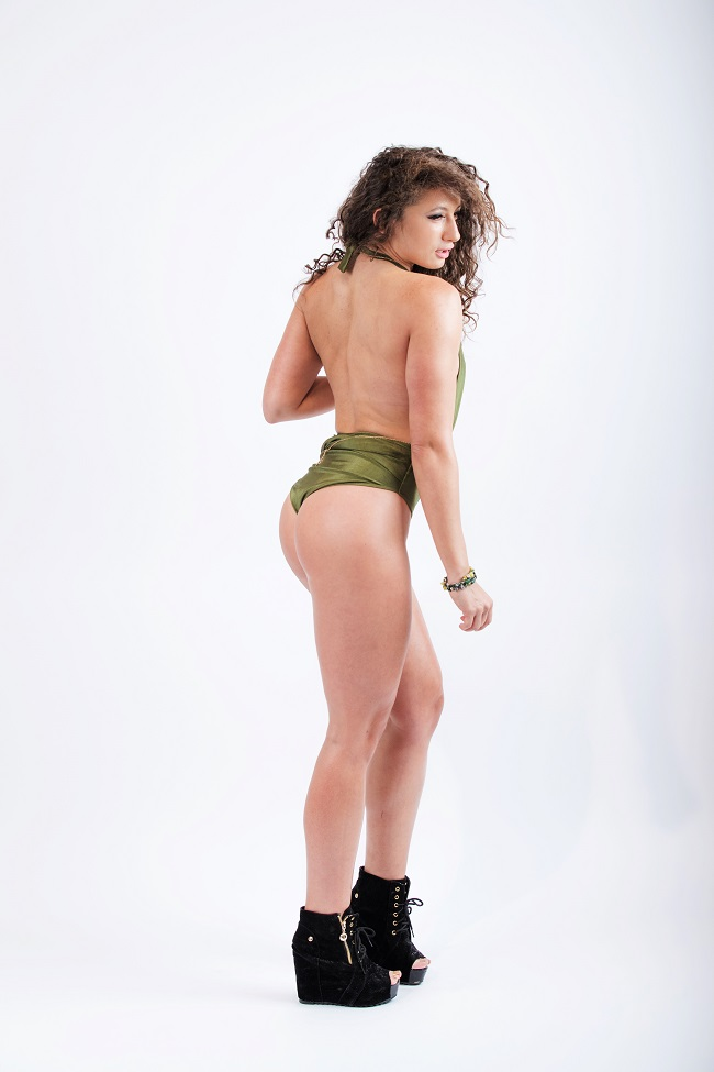 Топ 3 упражнения за жени за стегнато дупе  и  крака