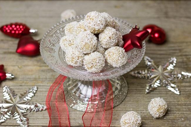Домашни бонбони Рафаело ( 2 рецепти )