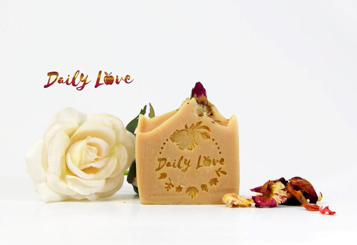 """""""Daily LOVE"""" ръчно изработен луксозен сапун"""